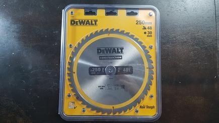 пильный диск Деволт